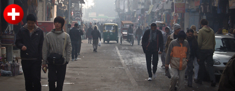 Delhi slovi po groznem prometu tudi med samimi Indijci. ne zadržujete se predolgo in se raje premaknite v kakšno manjše mestece.