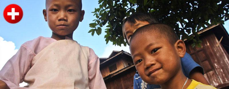 Hsipaw nudi najboljši trekking v Burmi (Mynamar). Na sliki so otroci iz gorskih vasic. Te poti večina turistov ne pozna, zato je ta izkušnja res posebna.