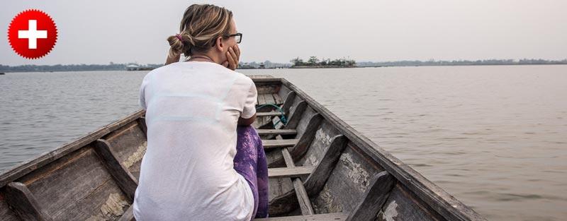 Phayao (severna Tajska) se ponaša z velikim jezerom po katerem greste lahko na izlet z ladjico. No, greste lahko vsaj do templja, kjer si zaželite kako željo pri Buddhi.