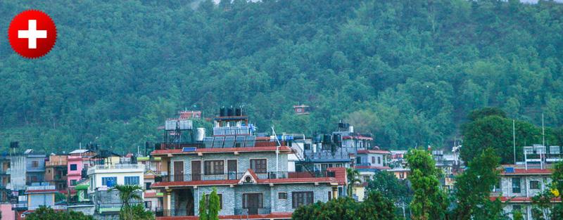 Pokhara je manjše mesto ob jezeru, od kjer greste lahko na čudovit trekking v okolivi Annapurne.