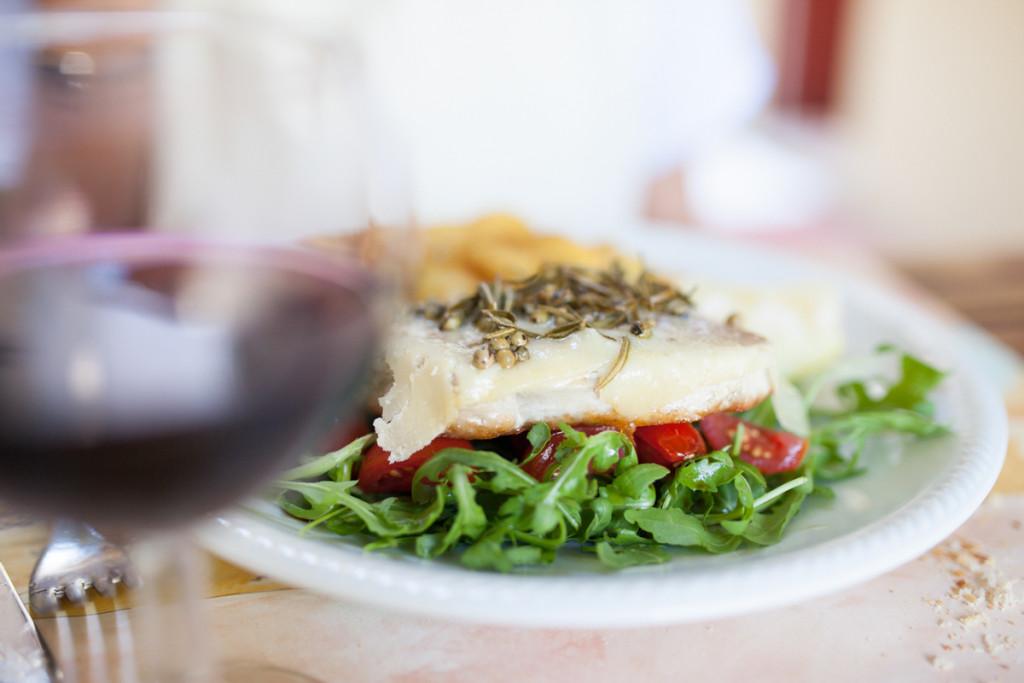 Tuna z zelenim poprom.
